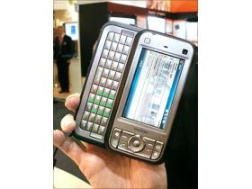 HSDPA 大力加持 Toshiba G900 往智慧邁進