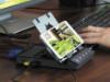 實用底座  Android 手機一接即變電腦